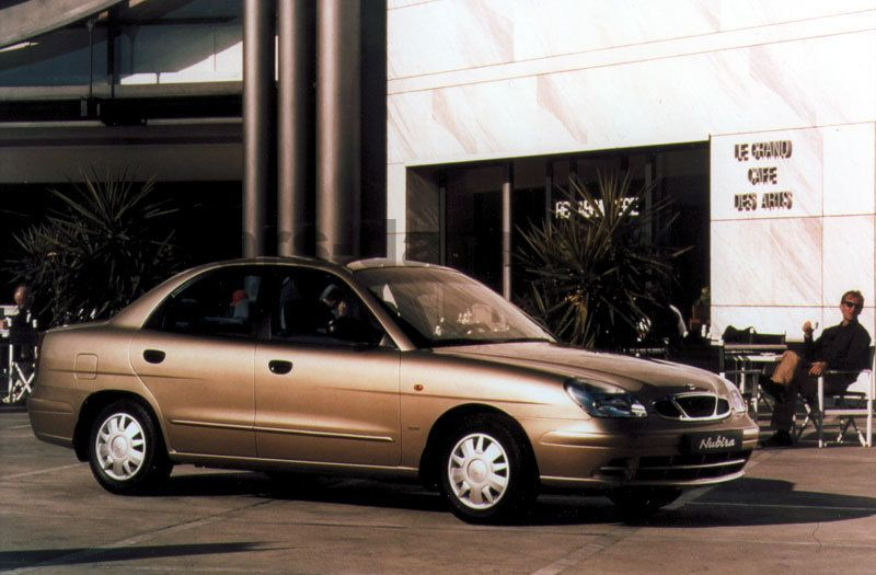 Daewoo Nubira 2 0 Cdx Manual 4 Door Specs