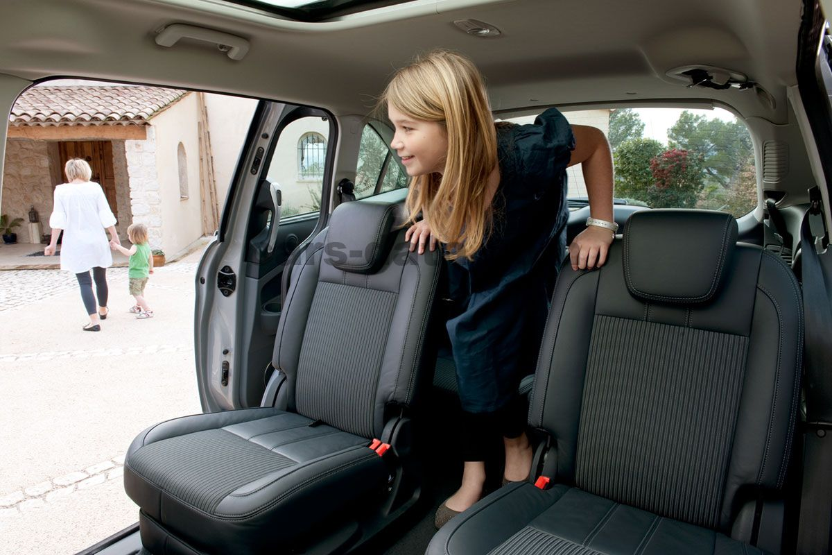 ford grand c max 2010 pictures ford grand c max 2010. Black Bedroom Furniture Sets. Home Design Ideas