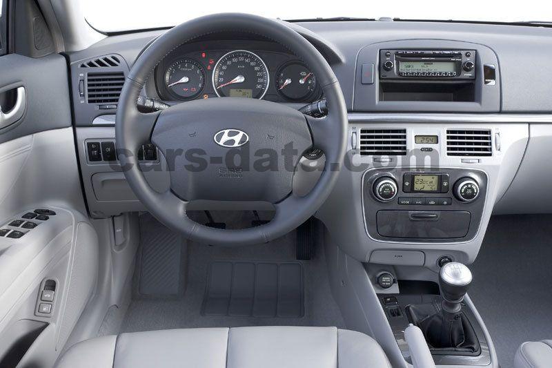 hyundai sonata 2005 pictures 12 of 12 cars data com rh cars data com hyundai sonata manual 2015 hyundai sonata manual 2016