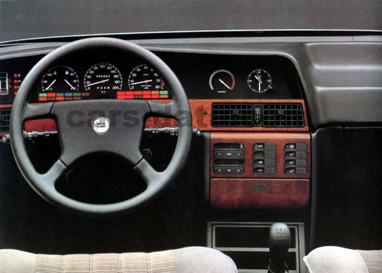 Lancia Dedra 1990 pictures (4 of 4) | cars-data.com