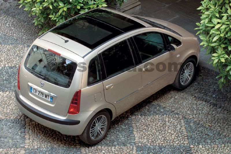 https://www.cars-data.com/pictures/lancia/lancia-musa_1216_5.jpg