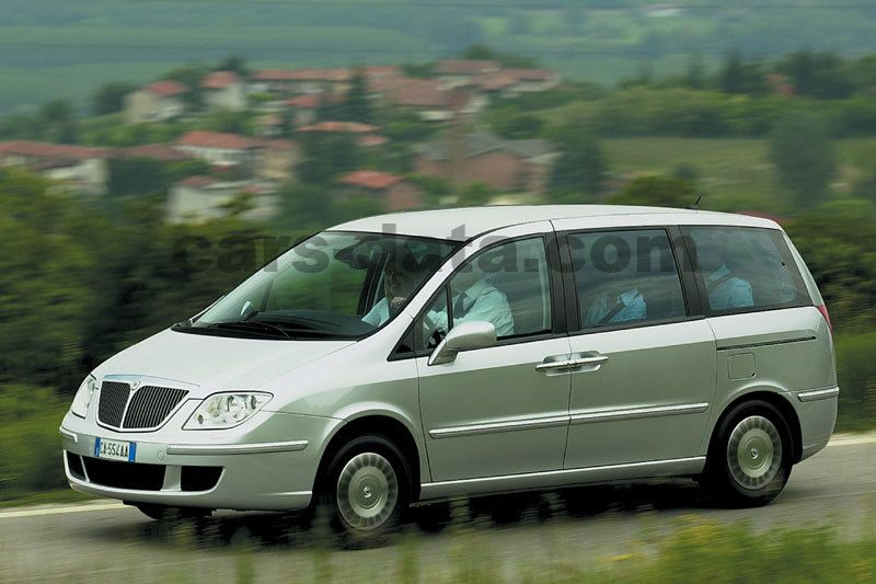 https://www.cars-data.com/pictures/lancia/lancia-phedra_1218_8.jpg