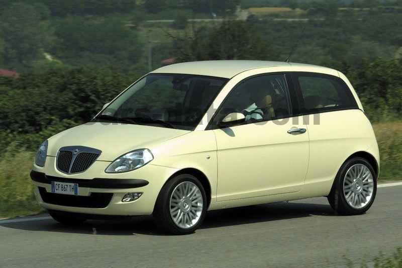 https://www.cars-data.com/pictures/lancia/lancia-ypsilon_1233_1.jpg