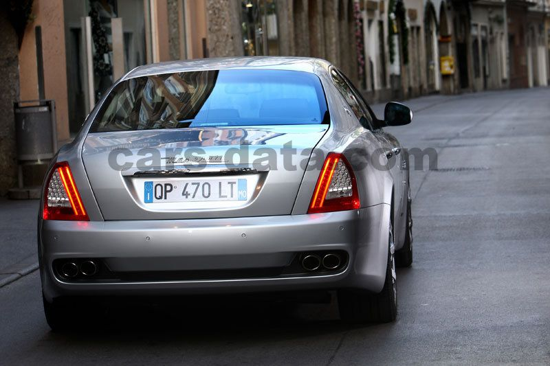 https://www.cars-data.com/pictures/maserati/maserati-quattroporte_1310_14.jpg