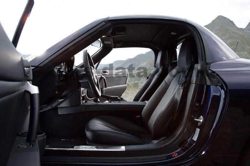https://www.cars-data.com/pictures/mazda/mazda-mx-5-roadster-coupe_1429_17.jpg