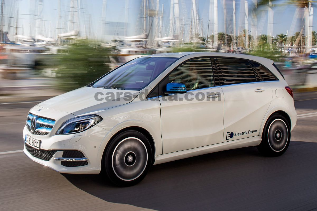 Mercedes B Class Electric >> Mercedes Benz B Class Electric Drive 2015 Pictures 13 Of 40