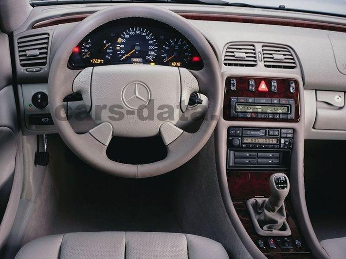 Mercedes benz clk class cabriolet 1998 pictures mercedes for Interieur smart 2000