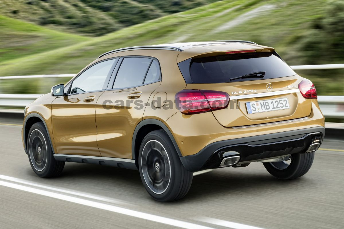 mercedes benz gla class 2017 pictures 9 of 35 cars. Black Bedroom Furniture Sets. Home Design Ideas