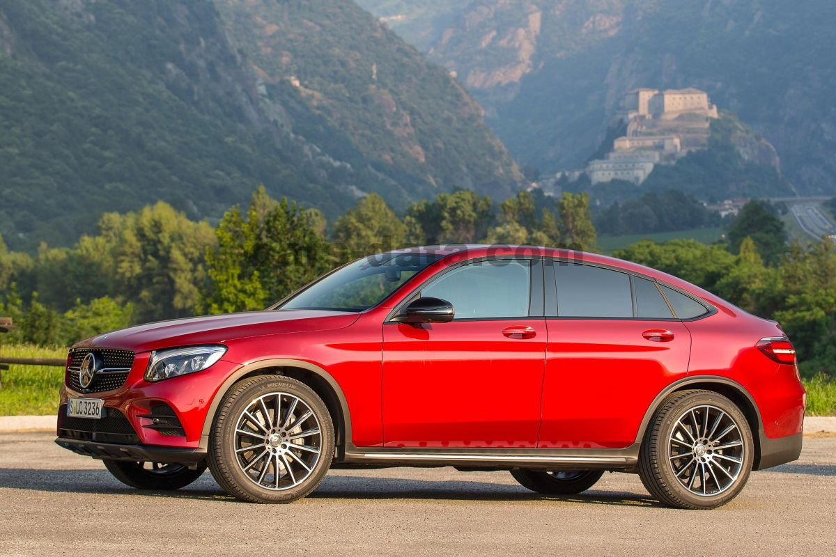 mercedes benz glc class coupe 2016 pictures 1 of 10 cars. Black Bedroom Furniture Sets. Home Design Ideas