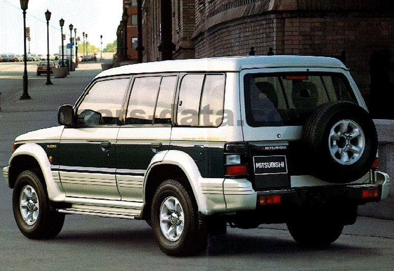Super Mitsubishi Pajero Long Body 1991 pictures (2 of 4) | cars-data.com NA08