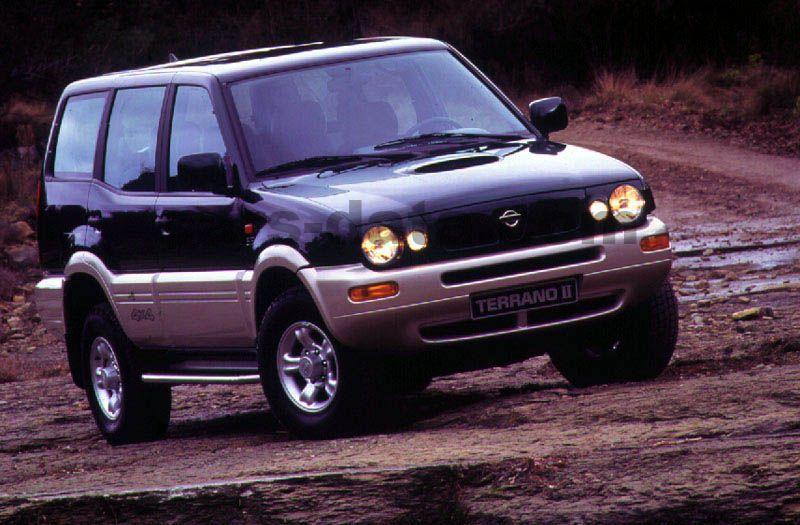 Nissan Terrano II Pictures