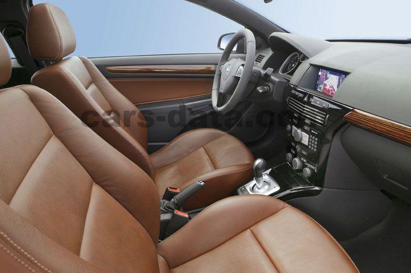 Opel Astra GTC Fotos