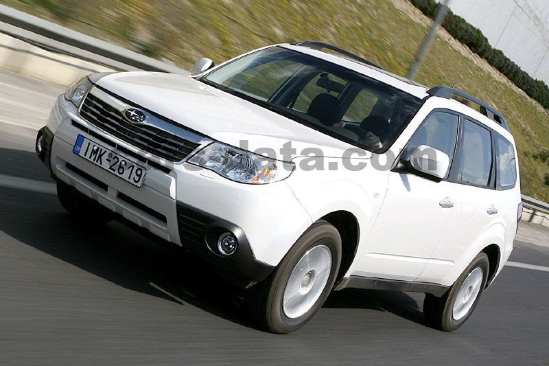 subaru forester 2 0d luxury manual 2011 2013 147 hp 5 doors technical specifications. Black Bedroom Furniture Sets. Home Design Ideas