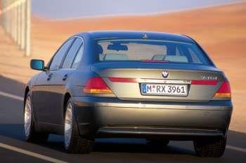 BMW 740d sequential automatic 4 door specs | cars-data.com