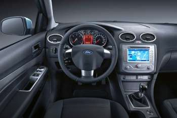 ford focus  tdci hp trend manual  door specs cars datacom