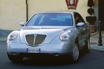 https://www.cars-data.com/pictures/thumbs/350px/lancia/lancia-thesis_1227_4.jpg