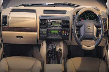 Land rover discovery td5 es automatic 1999 2002 137 - Land rover discovery interior dimensions ...