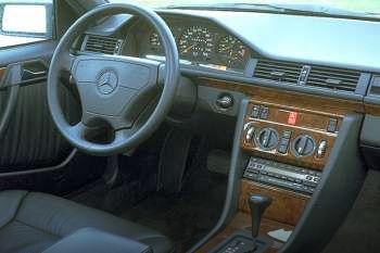 1993 Mercedes-Benz E-class Coupe 2-door specs   cars-data com
