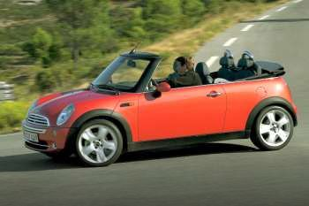 Mini Cabrio 2004 Pictures 2 Of 11 Cars Datacom