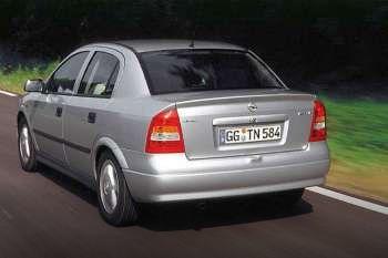 opel astra 1 6i 16v comfort manual 4 door specs cars data com rh cars data com vauxhall astra 2001 manual vauxhall astra 2010 manual saloon