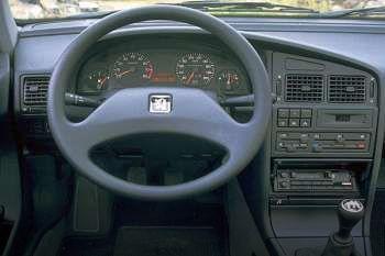 peugeot 405 glx d 1 9 manual 4 door specs cars data com rh cars data com