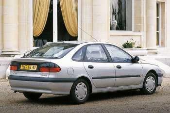 renault laguna rt 1 8 manual 5 door specs cars data com rh cars data com Renault Laguna 2007 Renault Laguna 2004