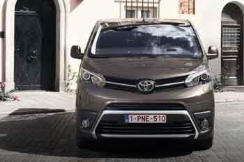 Toyota Proace Shuttle