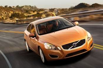 Volvo S60 2 0t Momentum Manual 4 Door Specs Cars Data Com