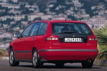 volvo v40 1 9 d manual 5 door specs cars data com rh cars data com volvo s40 99 manual volvo s40 1999 manual pdf