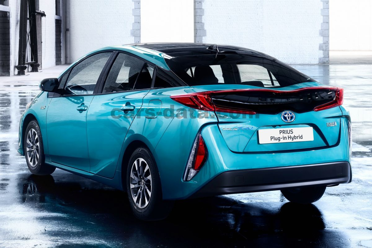 Toyota Plug In Hybrid >> Toyota Prius Plug In Hybrid 2017 Pictures 12 Of 38 Cars