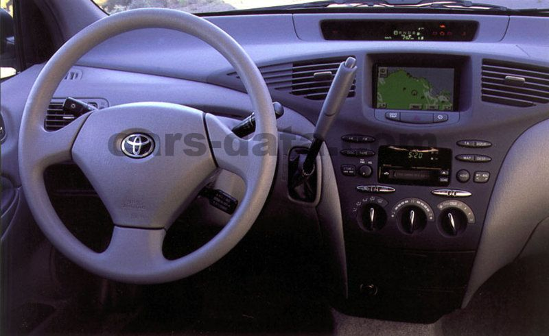 Toyota Prius 2000 pictures (7 of 8) | cars-data.com