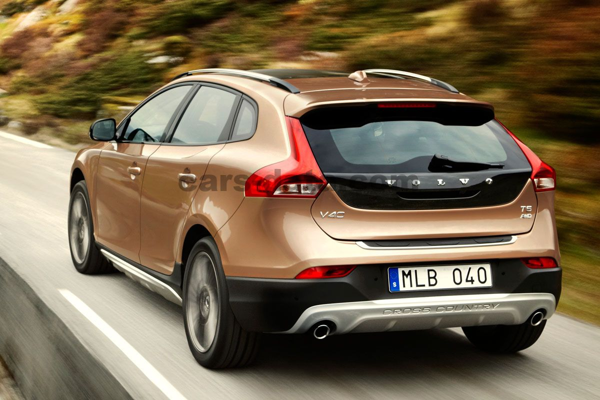 volvo v40 cross country 2013 pictures volvo v40 cross country 2013 images 18 of 21. Black Bedroom Furniture Sets. Home Design Ideas