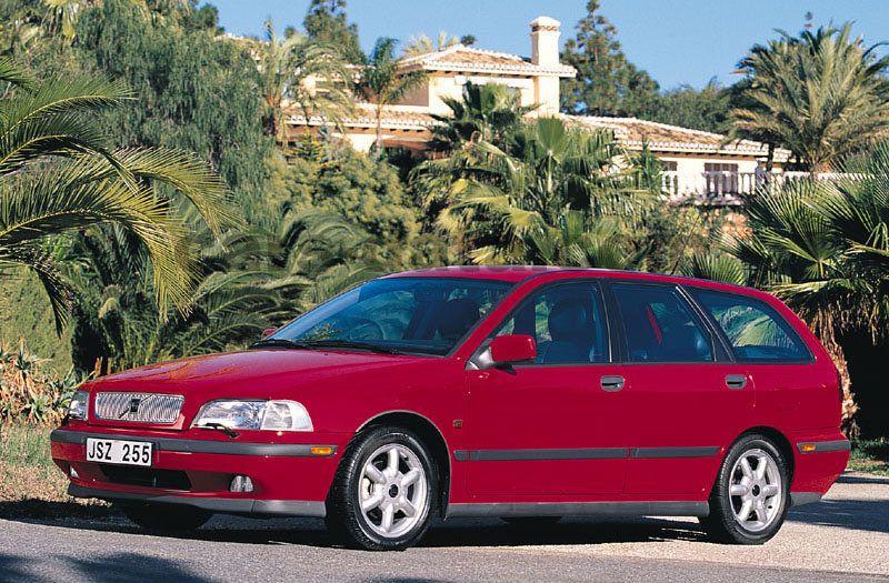 volvo v40 1 9 d manual 5 door specs cars data com rh cars data com Volvo S80 Volvo S60